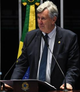 Mais de 14 mil médicos adotam o tratamento precoce no Brasil, diz senador Heinze