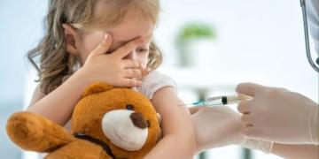 VAERS - Relatórios de lesões por vacinas COVID entre 12 a 17 anos de idade mais do que triplicam em 1 semana