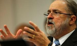 Impeachmen de Aras pedido por Modesto Carvalhosa