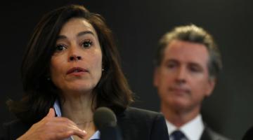 Diretora de saúde da Califórnia renuncia ao cargo após falhas nos dados da COVID-19