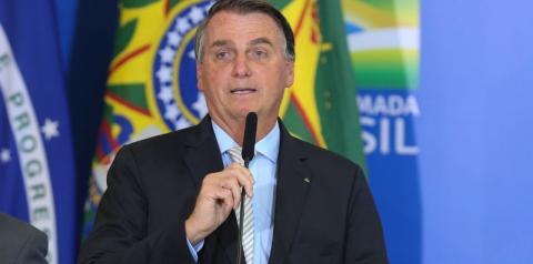 Bolsonaro anuncia 15,5 milhões de doses de vacina da Pfizer até junho