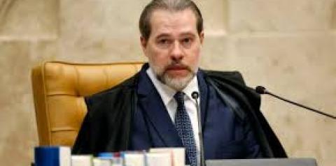Dias Toffoli é internado em hospital de Brasília com pneumonia alérgica