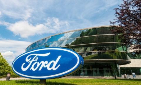 Ford encerra atividades no Brasil.