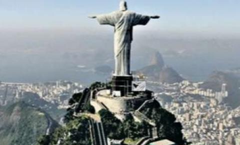 Aeronave do Senador Luiz Pastore trouxe a vacina para o Rio, mas a vacinação foi cancelada por conta do atraso na entrega do imunizante.