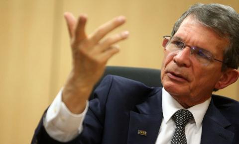 Bolsonaro anuncia mudanças e o nome do novo presidente da Petrobras