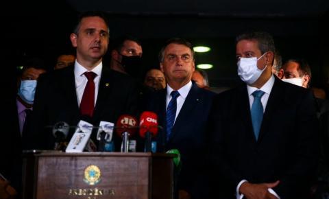 Bolsonaro entrega medida provisória para privatização da Eletrobras