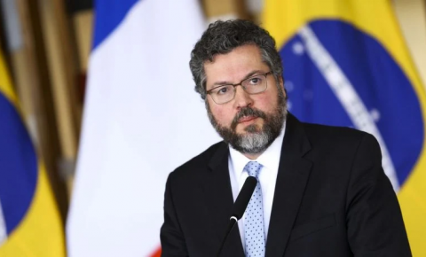 Ernesto Araújo pede demissão do Itamaraty