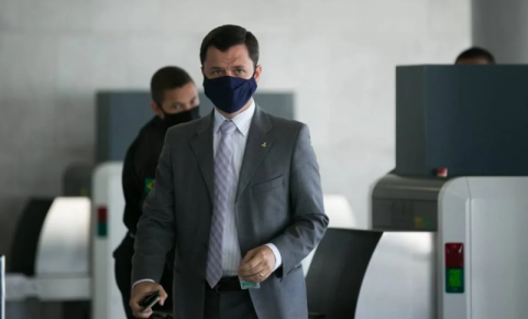Bolsonaro nomeia Anderson Torres para o ministério da Justiça