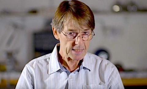 Dr. Michael Yeadon, ex-vice-presidente da Pfizer alerta sobre as vacinas e a forte possibilidade de estarmos lidando com uma
