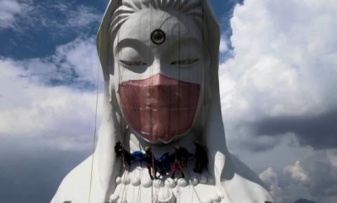 Japão: templo budista cobre a estátua da deusa com máscara de 77 libras