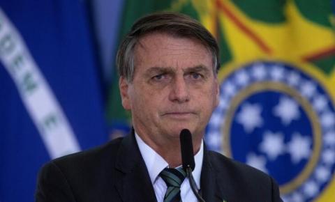 Bolsonaro questiona mais uma vez a eficácia da vacina chinesa contra covid-19 e cita o Chile como exemplo