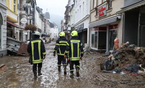 Fotos impressionantes mostram as consequências das devastadoras enchentes na Europa