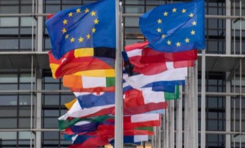 FIM DAS VACINAS: União Européia aprovou  5 terapias que estarão disponíveis em todos os hospitais dos Estados-Membros para tratar Covid.