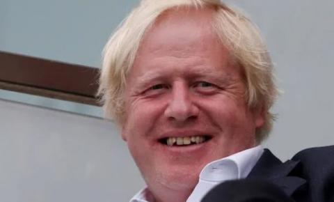 Relatório do governo do Reino Unido excluído: 'COVID nos ensinou a fazer lavagem cerebral no público'
