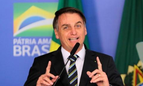 Bolsonaro diz que novo teste para covid-19 deu negativo