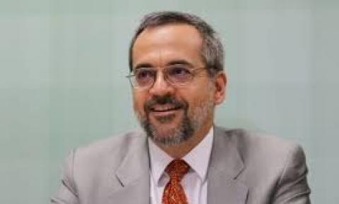 Após pressão da esquerda contra, Weintraub é nomeado diretor no Banco Mundial
