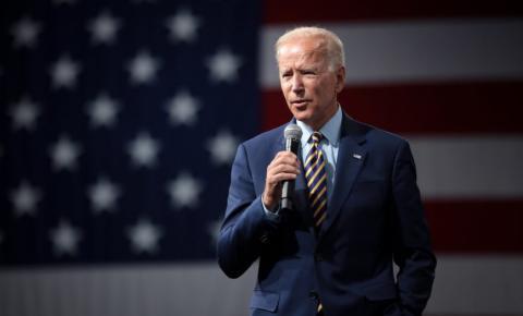 Ex-secretário de Bill Clinton sugere que Biden não debata com Trump