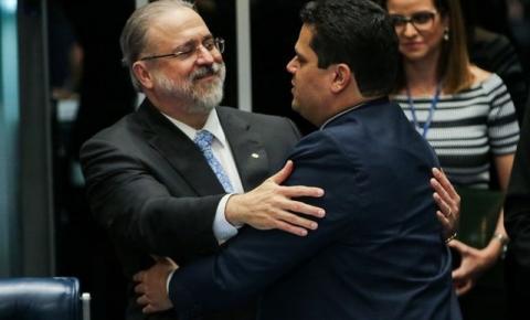 Procuradores e promotores pedem a Aras investigação contra Alcolumbre por suposta prevaricação