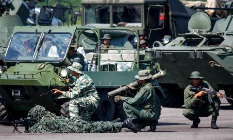 Russos na fronteira entre Brasil e Venezuela