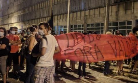 Vandalismo na posse do novo reitor  da UFPB, Valdiney Golveia.