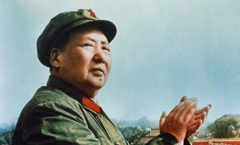 Embaixador chinês publica poema do genocida Mao Tsé-Tung